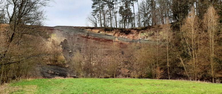 Felsenpfad rund um den Schlehenberg